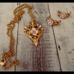 3pc vintage AVON necklace and earrings